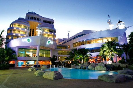 A-One The Royal Cruise Hotel 4*